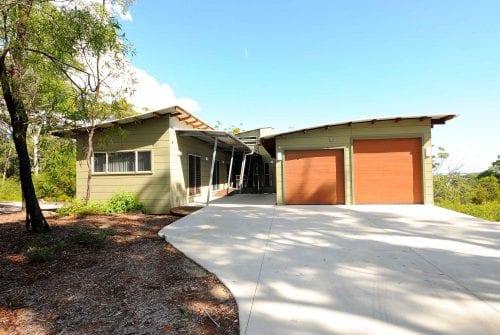 drivway & garage at inside entrance Custom built home Hervey Bay - Steve Bagnall Homes